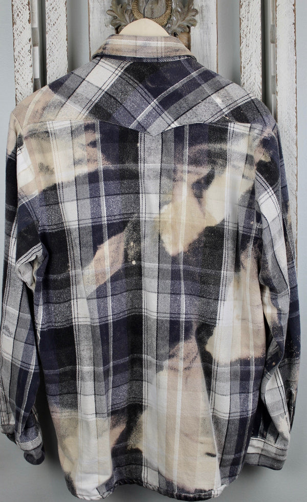 Vintage Western Style Navy Blue, Grey, White and Cream Flannel Jacket Size Medium