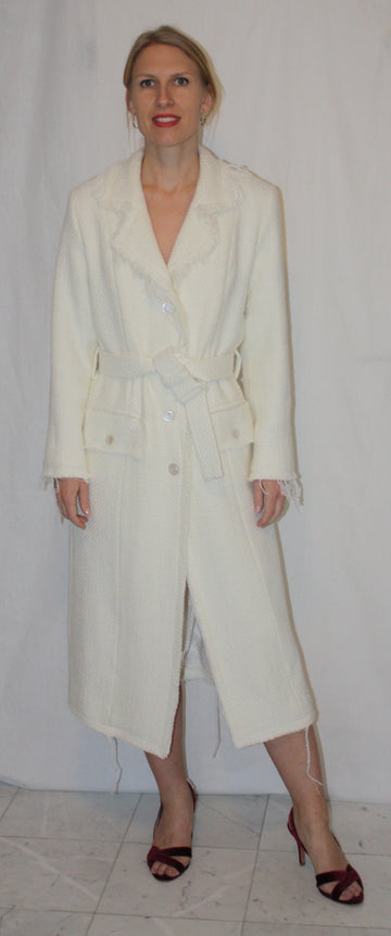 OVERCOAT WITH FRAYED ENDS