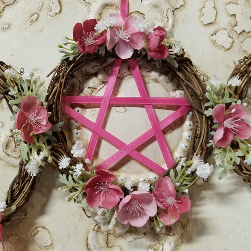 Triple Moon pentacle Wreath in Dark Pink