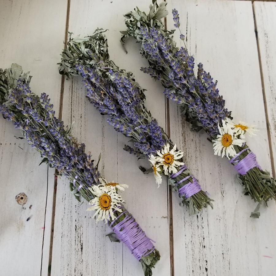 Dreams and Visions Smudging Bundle, Black Sage, Lemongrass, Rosemary, Floral Smuding Bundle