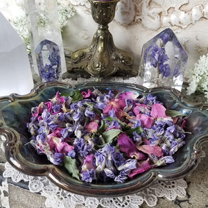 Floral Offerings Wisteria & Rose Petals