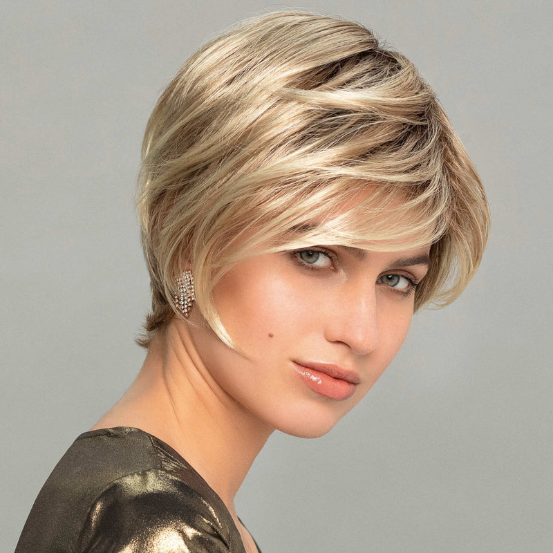 Cyber Left Wig Gisela Mayer Fashion Classic Collection