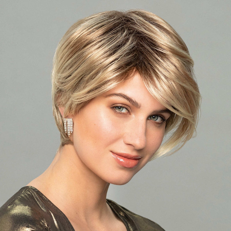Cyber Right Wig Gisela Mayer Fashion Classic Collection
