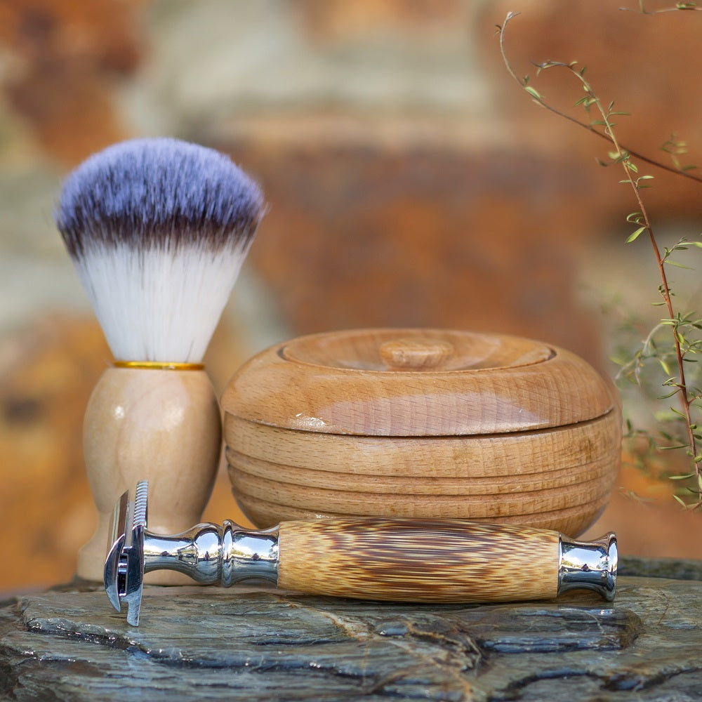 Men's Safety Razor and Brush Set With Shaving Soap (Light Wood)-NZ Native Oils Ltd
