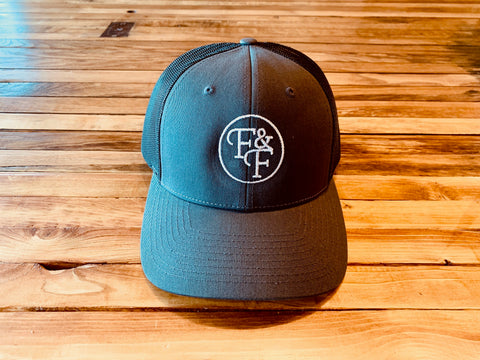 Trucker hat [black/gray/white]