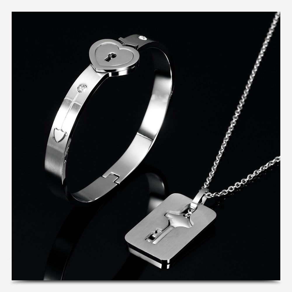 Wanjewl  HEART LOCK BRACELET & KEY NECKLACE (Couple)
