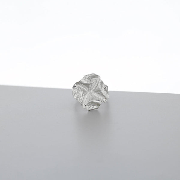 Decorative Concepts: medium top ring, silver - Mari Thomas Jewellery