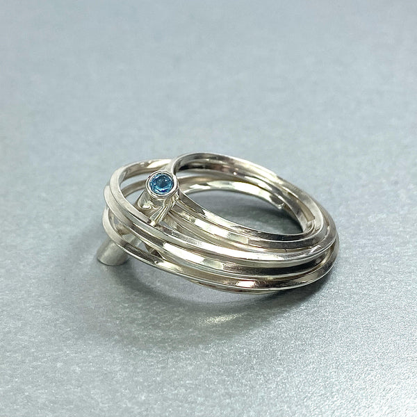 Solitaire: silver ring with a swiss blue topaz - size Q/R