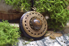 Charger l'image dans la galerie, Collier Protection Pendentif 'Amddiffyn' Bronzite