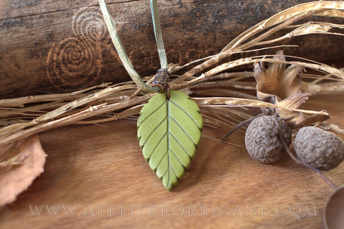 Collier Totem Woodlands Feuille