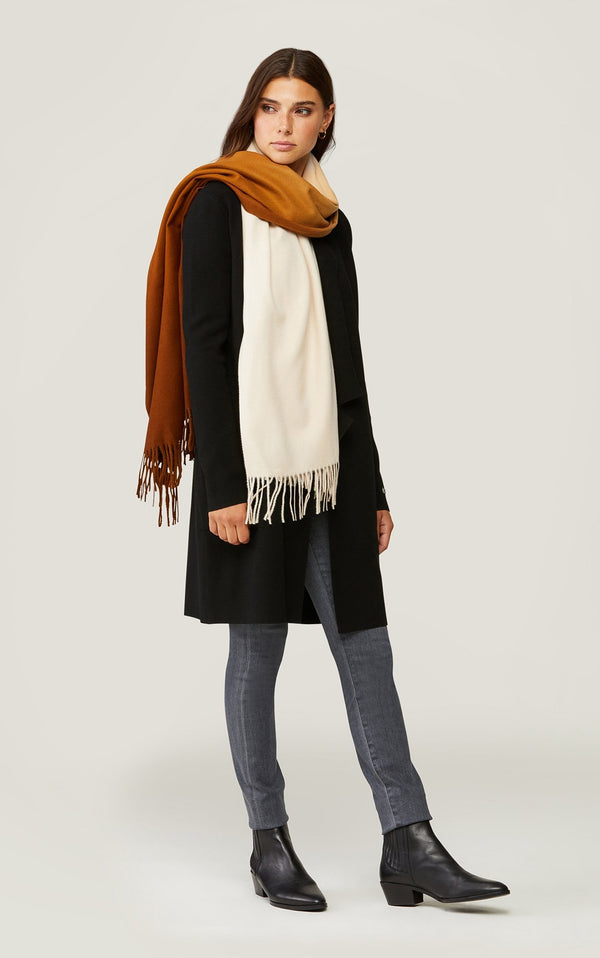SOIA&KYO DEJAH - two-tone ombré woven scarf with fringe - Boutique Bubbles