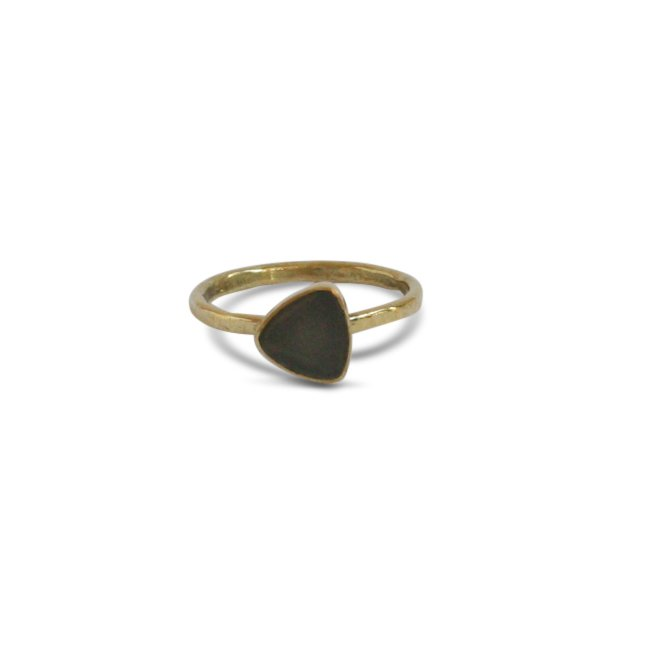 Triangle Stone Ring Messing