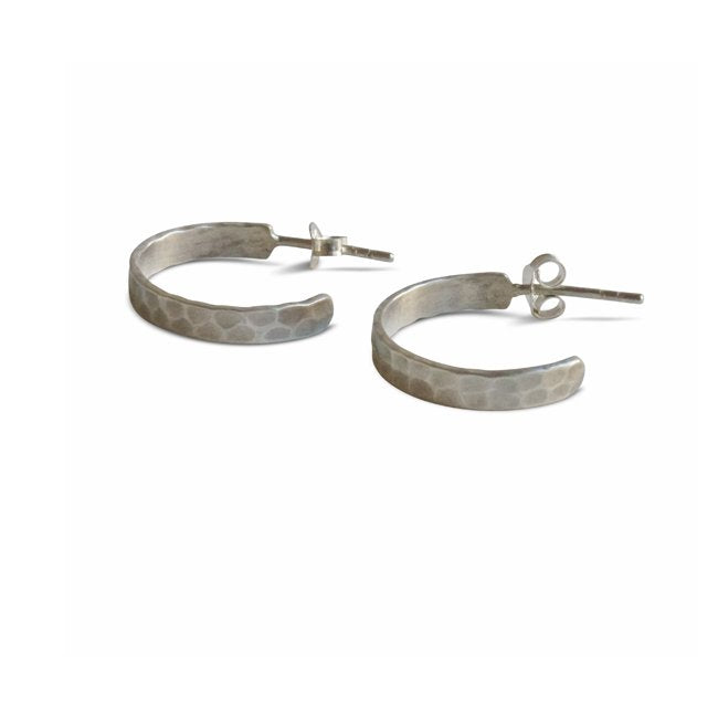 Hammered Hoops Ohrstecker Silber