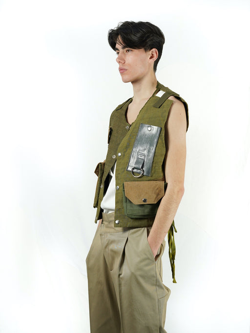 ARMED TARP UPCYCLING VEST