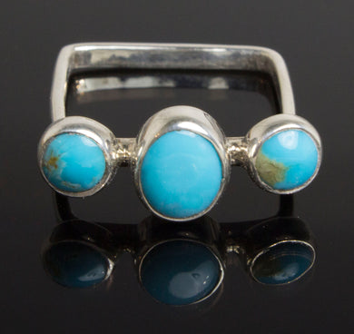 85e75d0528b34 Native American inspired .925 silver square ring with 3 turquoise stones