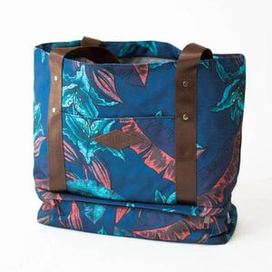 salt atlas drifter tote bag in blue lily print