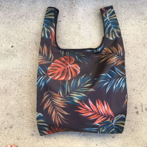 salt atlas foldable eco bag in tropical black print
