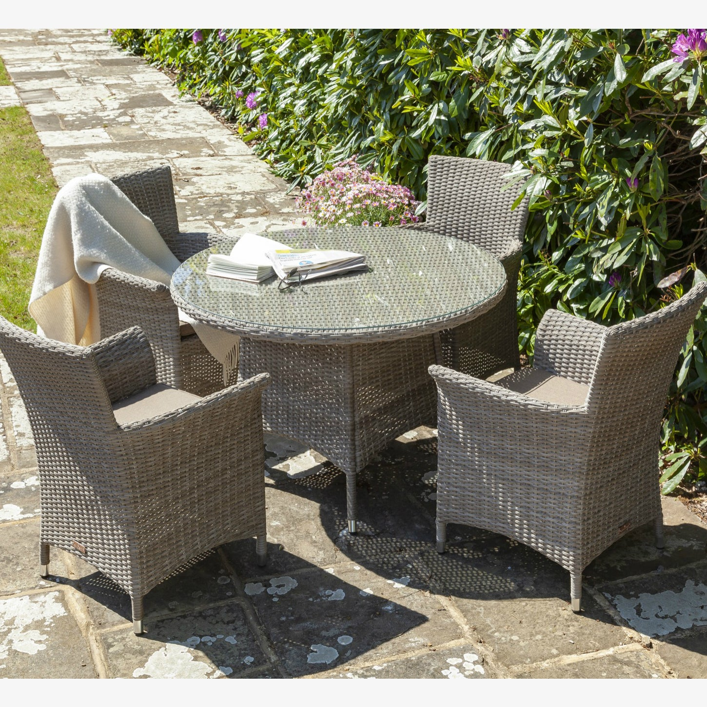 Galleon Serica 4 Seat Round Dining Set