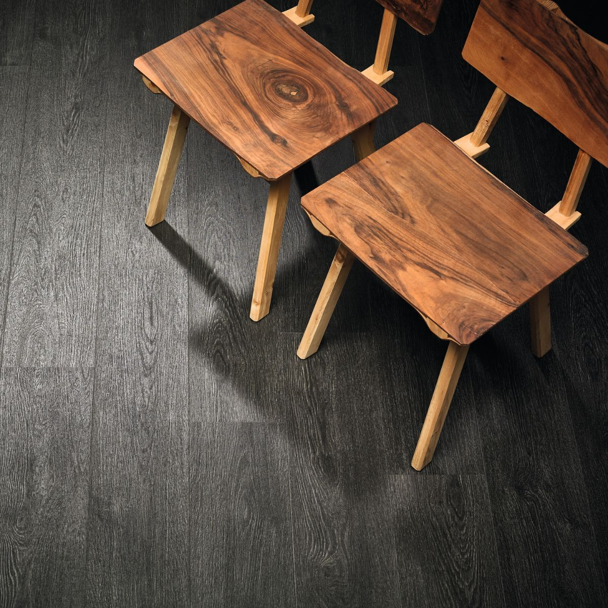 Black Rustic Oak - Click