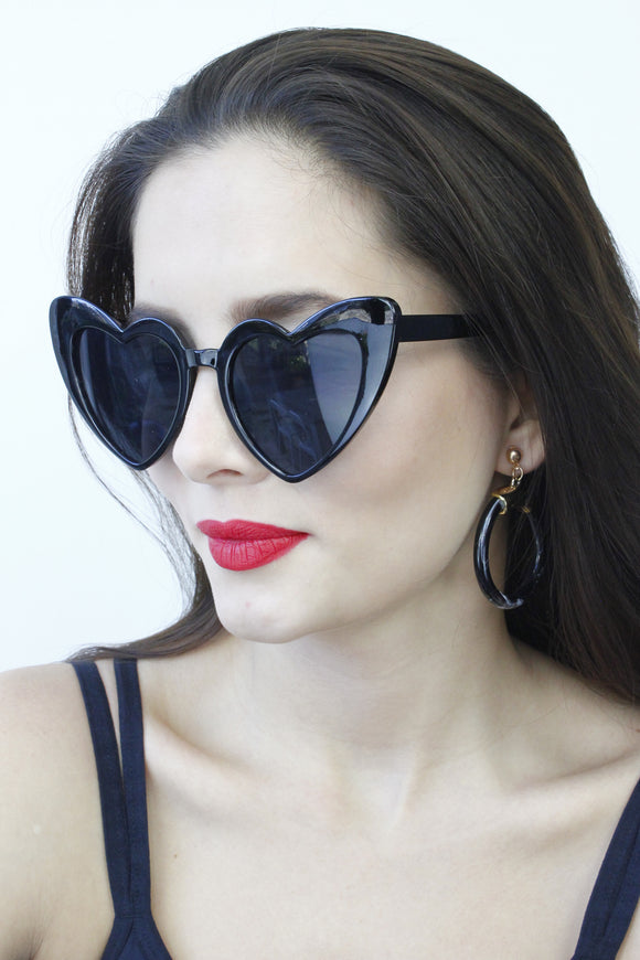 Black Oversized Heart Sunglasses