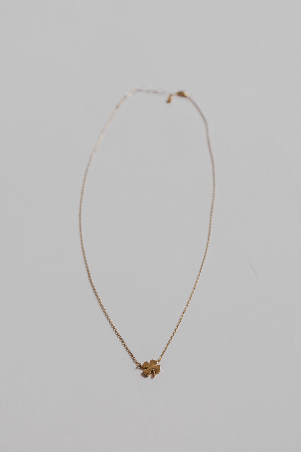 silver-four-leaf-clover-necklace