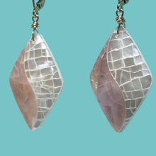 Load image into Gallery viewer, [SURF JEWELLERY] Crush Shell x Pink & White (1-7-B)