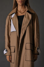 Load image into Gallery viewer, Camel x Stripes Trench
