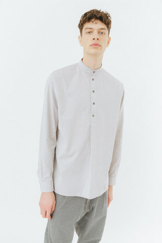 Grey sand light shirt