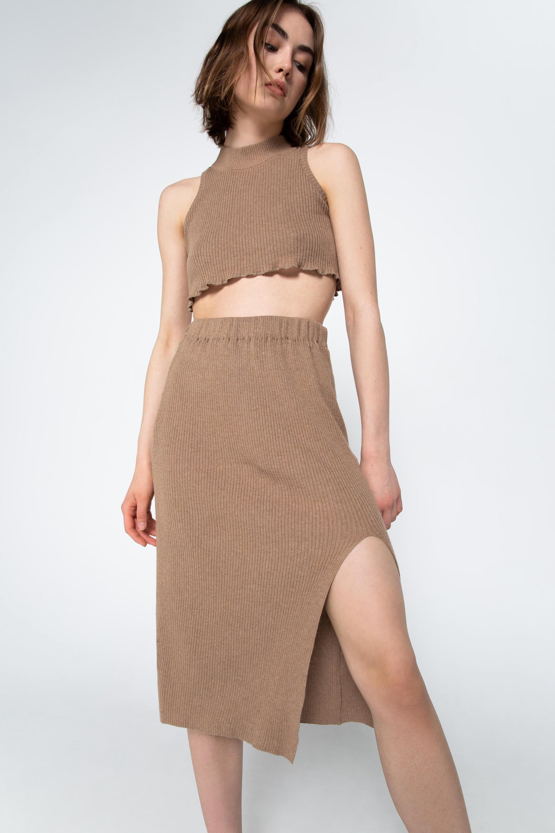 Brown knit skirt