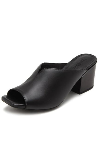 Leather Clog in Black - AA3702