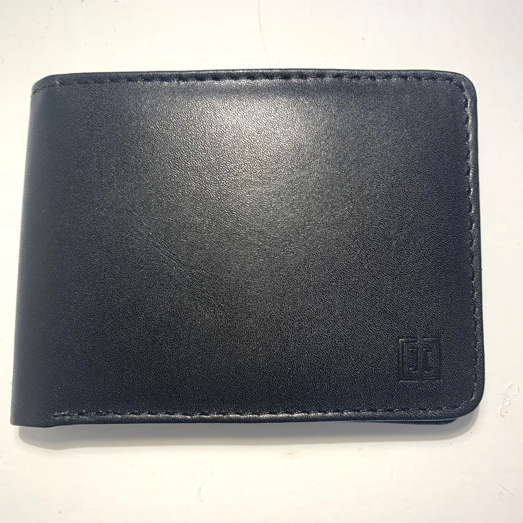 Leather Wallet in Black-C016