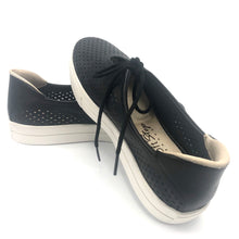 Load image into Gallery viewer, Leather Tennis Shoes in Black - 4843