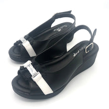 Load image into Gallery viewer, Low Wedge Sandal in Black and White - 41507