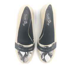 Load image into Gallery viewer, Low Heel Pump Comfy in off White/ black and  Snake skin print leather - 200606