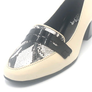 Low Heel Pump Comfy in off White/ black and  Snake skin print leather - 200606