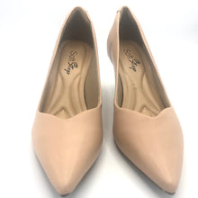 Load image into Gallery viewer, Leather Mid Heel Pumps in Beige - 70608