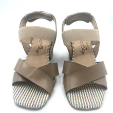 Load image into Gallery viewer, Low heel Sandal Leather in dark Tan-87104