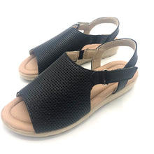 Load image into Gallery viewer, Leather Sandal in Black w/Velcro 41012