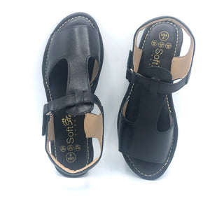 Leather Sandal in Black - 8639