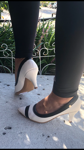 Mid Heel Pumps in OFF white and Black- 1278-039