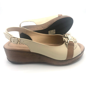 Low Wedge Sandal in Beige and Brown - 41507