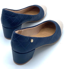 Load image into Gallery viewer, Low block Heels in Navy blue and beige - 1274-002