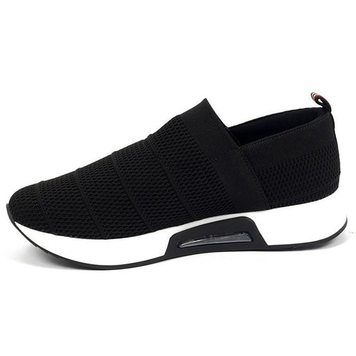 Tennis Shoe Tricot in Black - Easy Fit AA5908BL