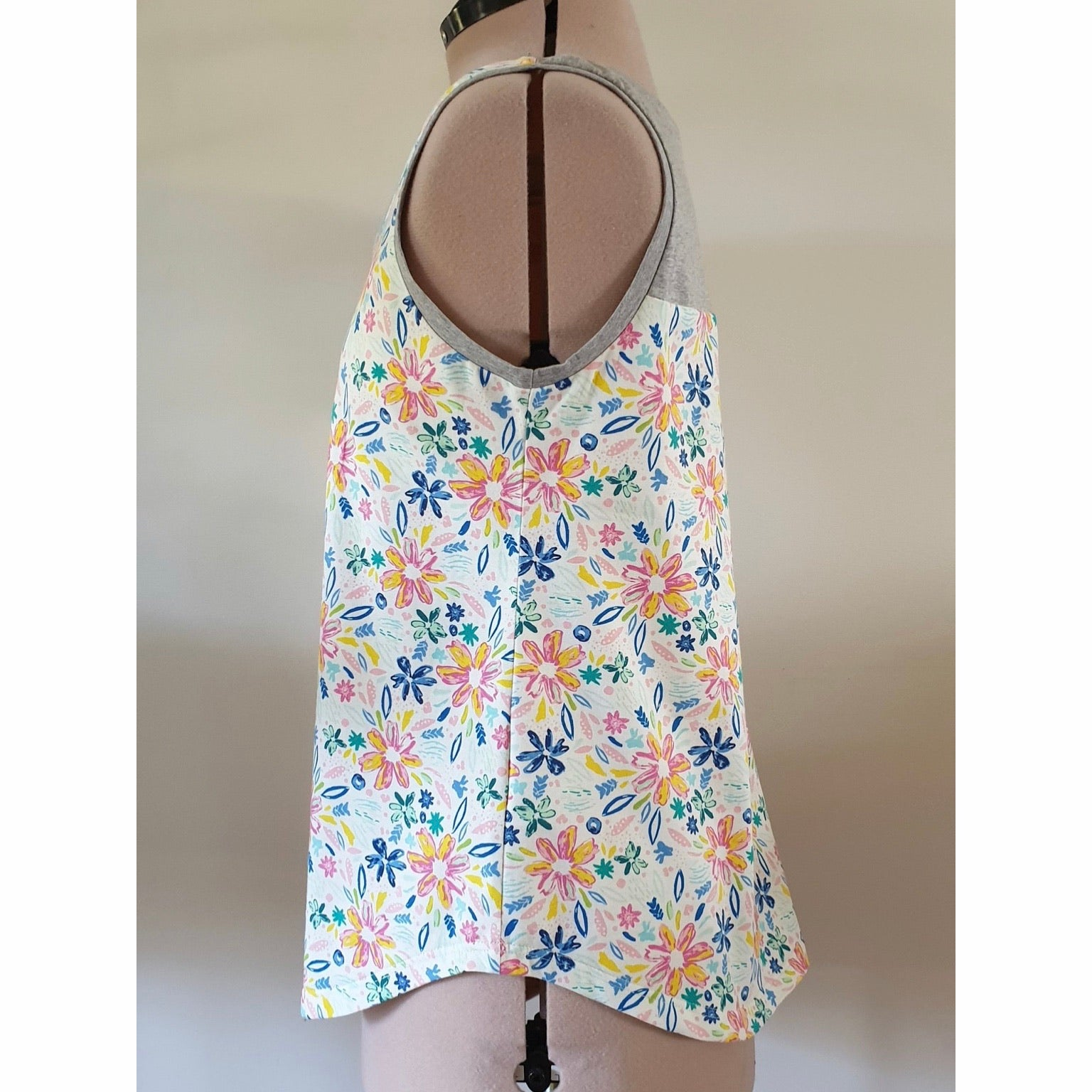 Women's All Rounder Singlet - Picnic *ON SALE*