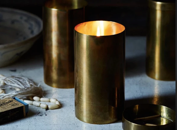 Atelier Tea-Scented Candles in Brass - Sotre Collection