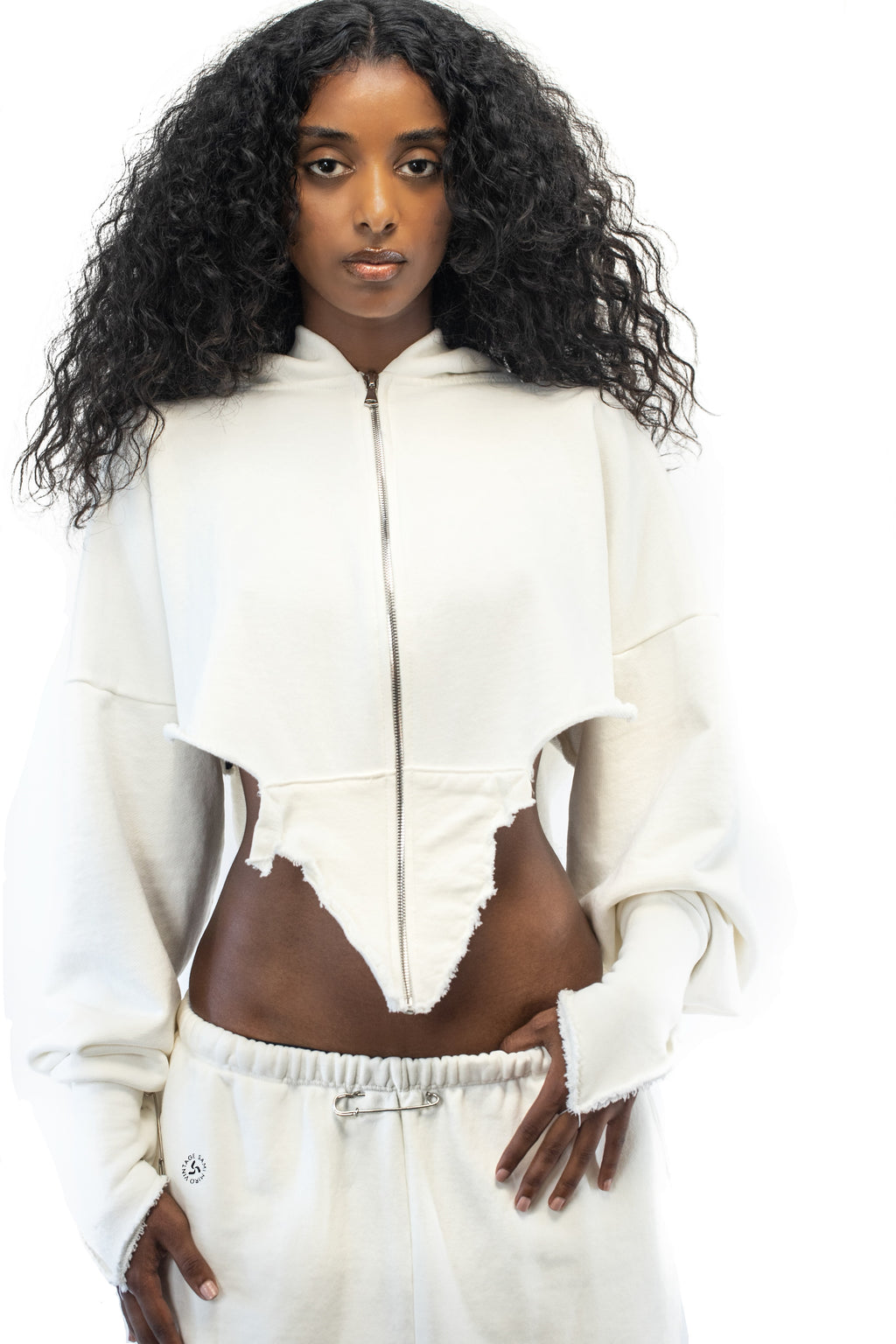 V CUT ZIP-UP HOODIE IN WHITE
