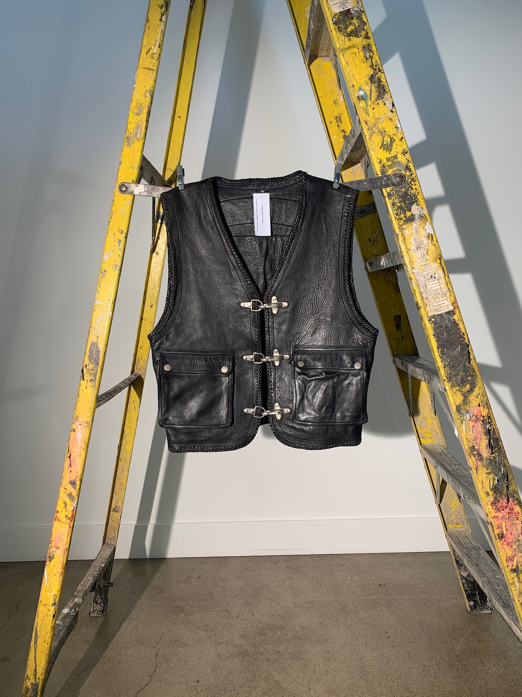 1/1 SMV LEATHER BRAIDED VEST