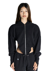 V CUT ZIP-UP HOODIE IN BLACK