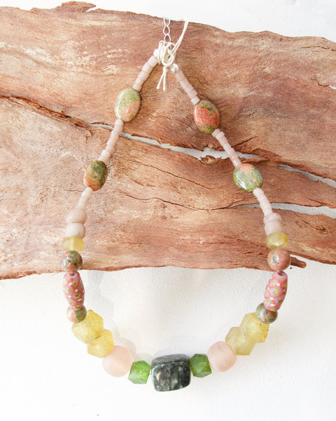 Nadika Necklace - Verde E Oro