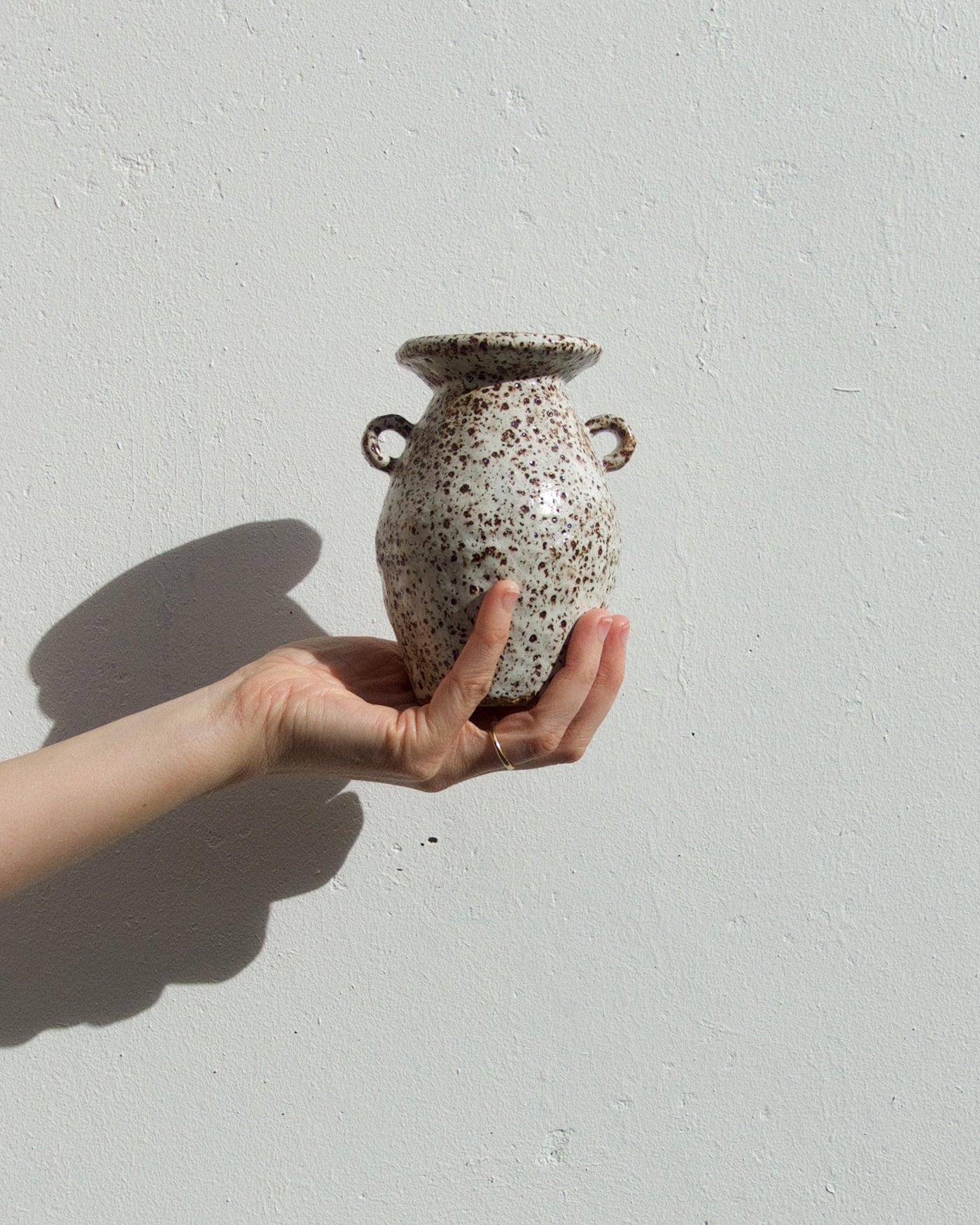 Handled Vase - Toast Speckle